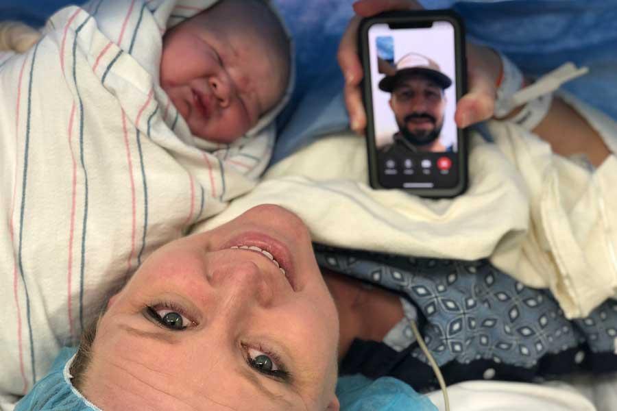 Threkelds Familia con nuevo bebé